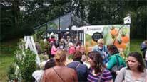 Rijen bezoekers voor de Tommies Vitaminetuin!